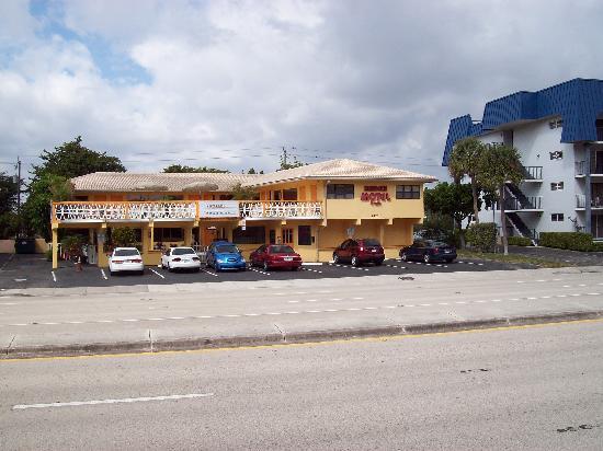 Sundeck Motel: Frente del hotel