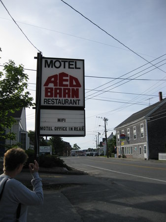 Milbridge, ME: Red Barn Motel