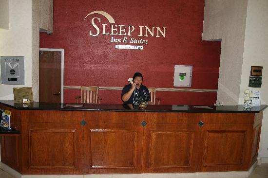 Sleep Inn & Suites: Front Desk