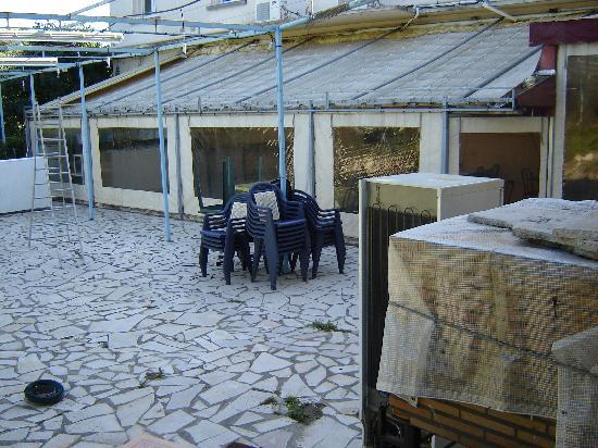 Hotel du Bois des Espiesses: out door dinning area