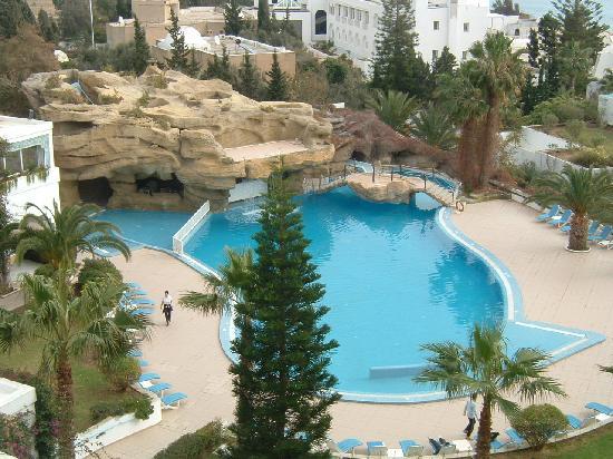 Royal Azur Thalasso Golf : La piscine de royal azur
