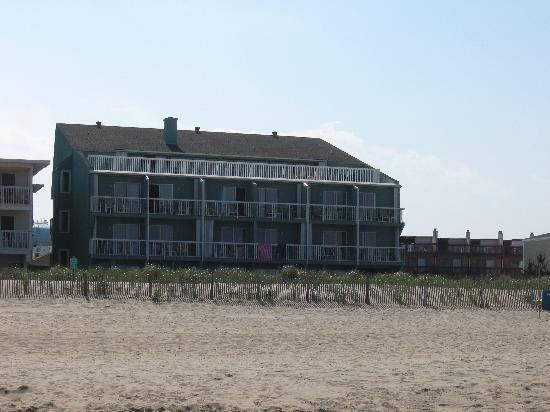 Atlantic View Hotel : ocean side