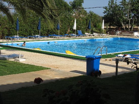 Mon Repos Design Hotel : the pool - large and clean