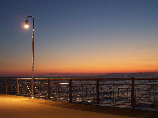 Hotel Andreaneri: Sunsets at Marina di Pietrasanta