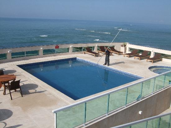 Royal Macae Palace Hotel : Pool on the roof