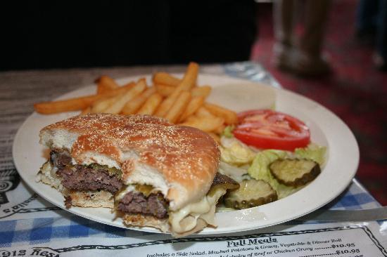 Natalia's 1912 Restaurant : Elk burger