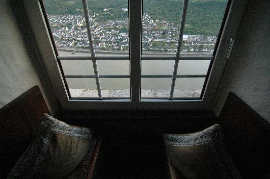 Hotel Castle Liebenstein: The view out our window.