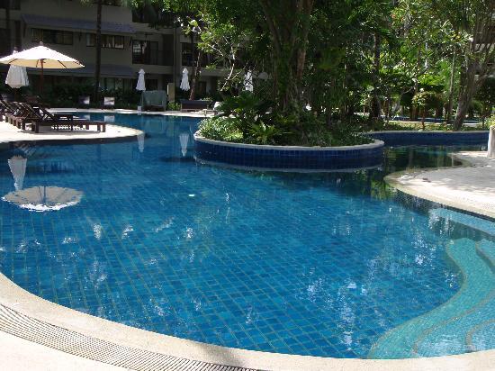 Novotel Phuket Surin Beach Resort.: the pool