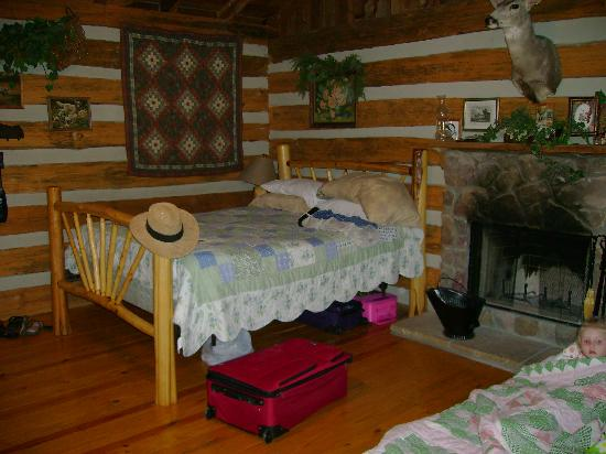 Silver Dollar City's Wilderness: Queen bed