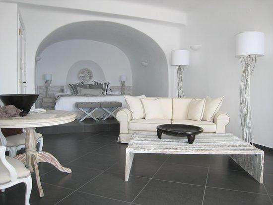 San Antonio Luxury Hotel : View of living/bed area