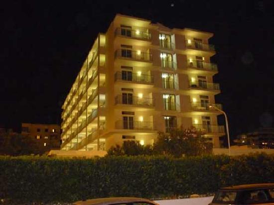 Hotel Gran Sol Ibiza: Hotel Gran Sol (night)