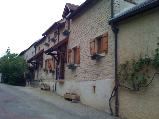 Curtil-Vergy, France: rue de l'hotel