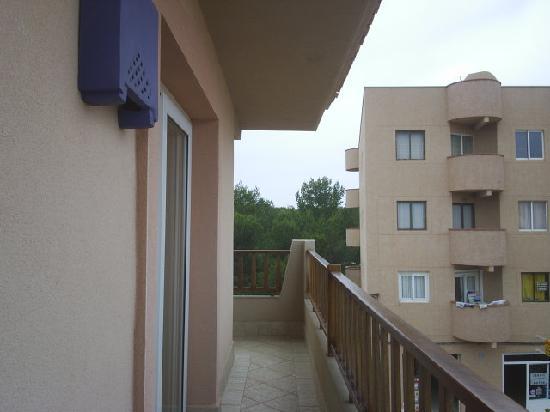Hotel Voramar: balcone camera