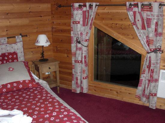 Le Chalet d'en Ho: chambre confortable!