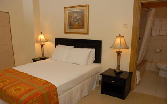 Palm's Hotel Trinidad: My room