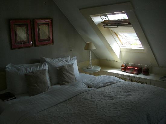 Dormer Bedroom our dormer bedroom - picture of hotel de tuilerieen, bruges
