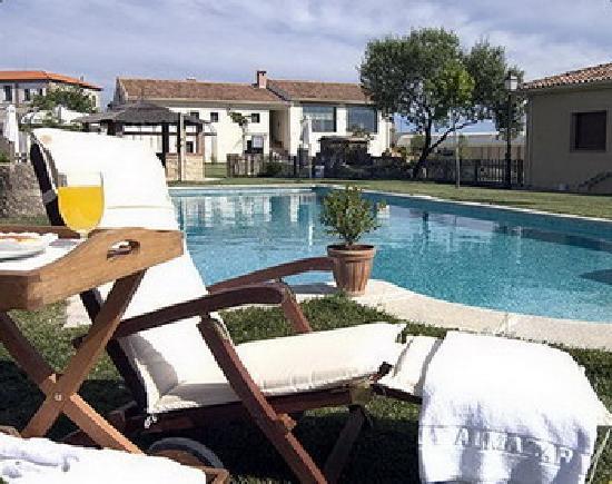 Almazara de Valdeverdeja: swimming pool