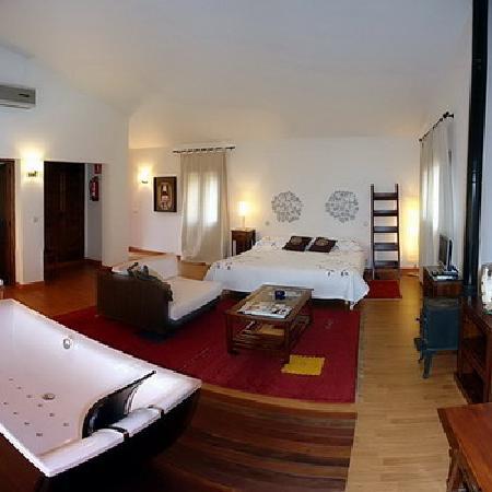 Almazara de Valdeverdeja: suite with jacuzzi