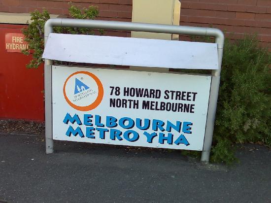 Melbourne Metro YHA: Metro YHA Signage