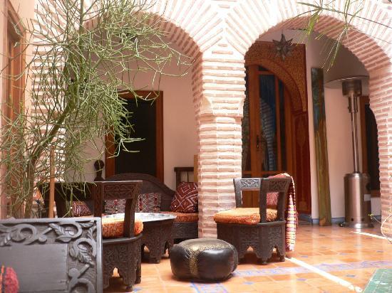Riad Zarka: il patio_dettaglio