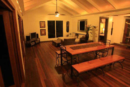 Taveuni Palms Resort: Lower villa interior