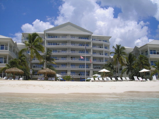 Caribbean Club Luxury Boutique Hotel: Caribbean Club from the water!