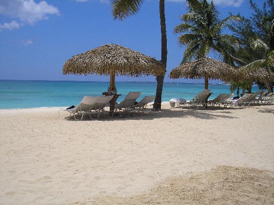Caribbean Club: Beachfront again