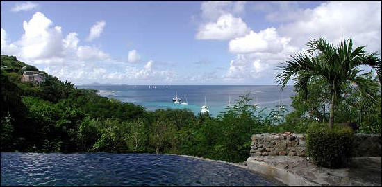 Firefly Mustique Hotel: View from Firefly pool