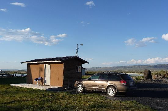 Burns, OR: Our cabin w/bathroom