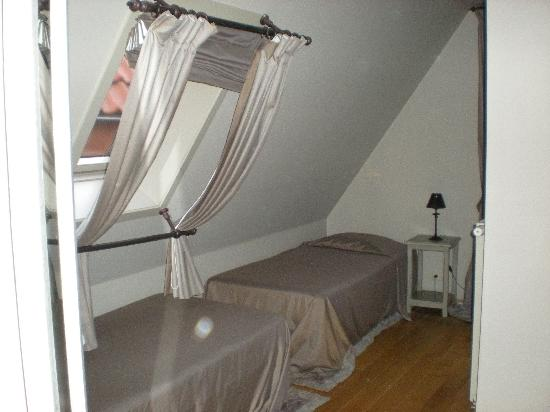 Hotel Boterhuis: Habitación cuadruple. Las dos camas individuales