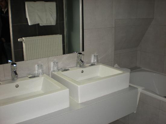 Hotel Boterhuis: El baño