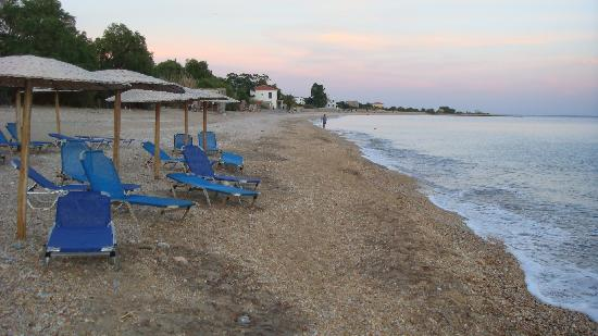 Agios Isidoros, Yunanistan: The nearby beach, supposedly the best in Lesvos