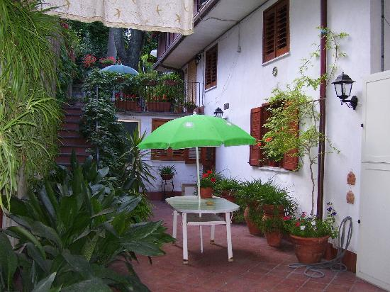 Villa Rosa  Etna Bed & Breakfast : Outside