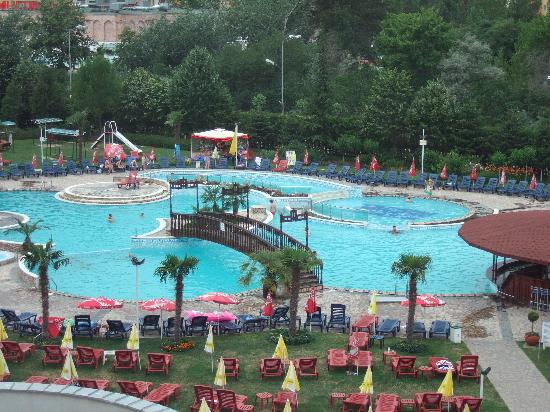 Hotel hrizantema updated 2017 reviews price comparison - Sunny beach pools ...