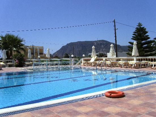 Zeus Hotel: The pool