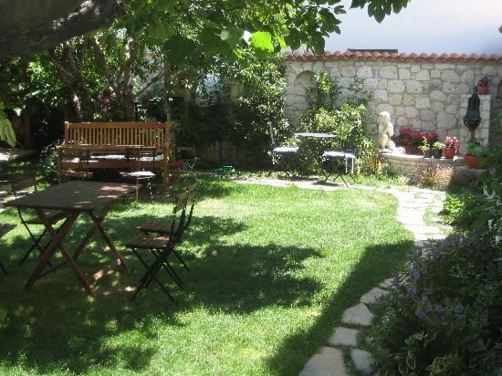 Incirliev Alacati: garden