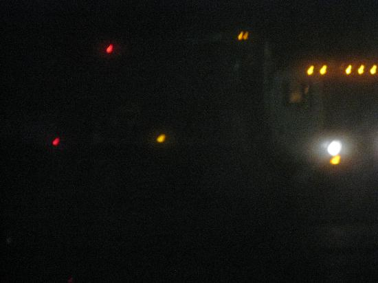 كواليتي إن آند سويتس رينووتر بارك: Dump Truck at 3:29 AM