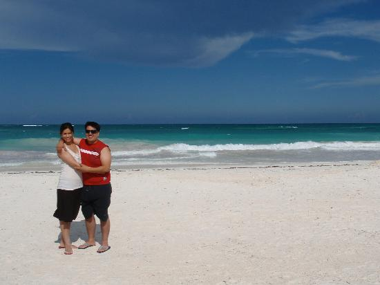 Hotel Playa Kin Ha: my husband and I simply enjoying