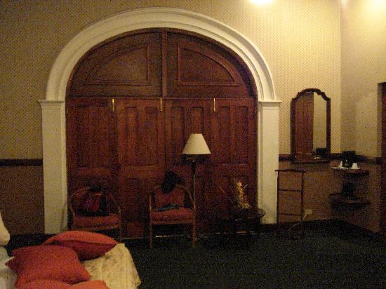 Hotel Britannia: The infamous doors to the foyer.