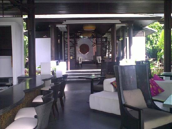Sareeraya Villas & Suites: main lobby