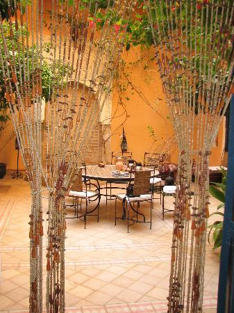 Riad el Filali: inner courtyard