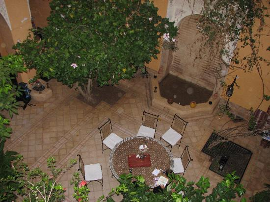 Riad el Filali: looking down onto courtyard