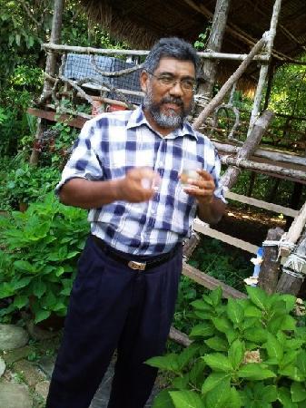 Herbwalk in Langkawi : Dr. Ghani