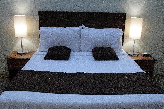 Ulek Beach Resort : Queen bed