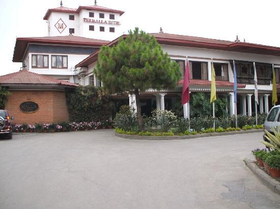 Malla Hotel: Front of Hotel
