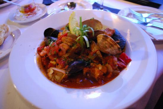 Kerstin's Restaurant: Entree-cioppino