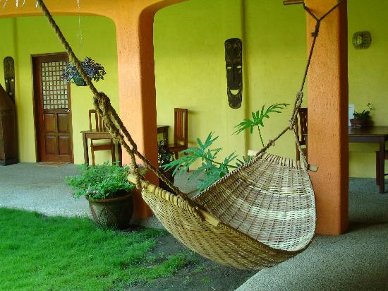 Hibiscus Garden Inn: Outside hammock for double relaxation time