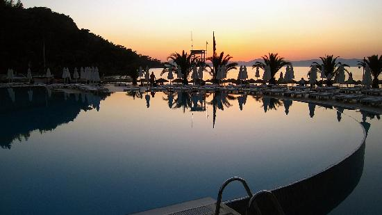 Hillside Beach Club: The pool, after sunset