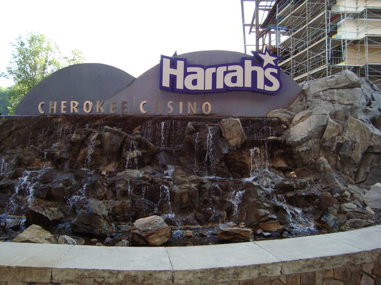 Casino at Harrah's Cherokee: Sign out front