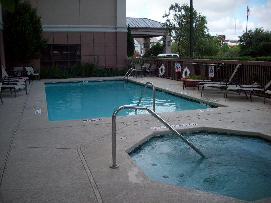 Hampton Inn Austin-Round Rock : pool area